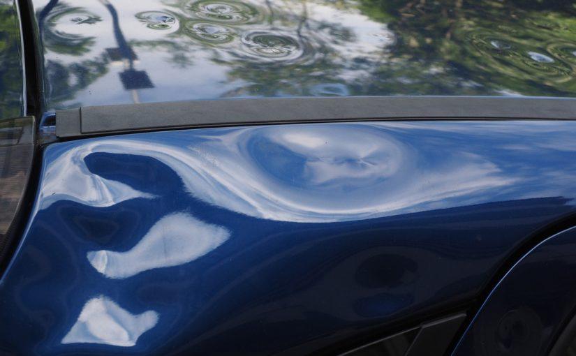 Miałeś stłuczkę? Ktoś przerysował Ci auto pod sklepem?